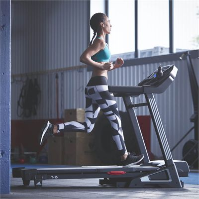 adidas T-16 Treadmill - Lifestyle1