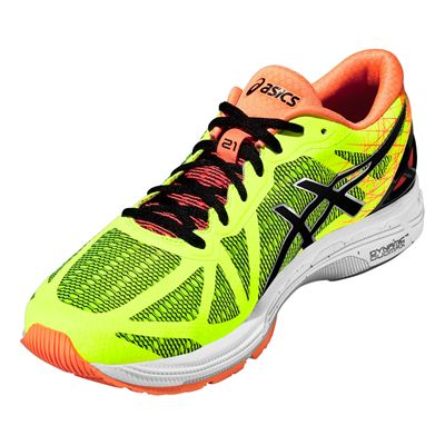 Asics Gel-DS Trainer 21 Mens Running Shoes Angle View