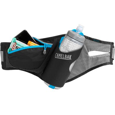 Camelbak Delaney 620ml Podium Chill Running Belt - Black - In Use