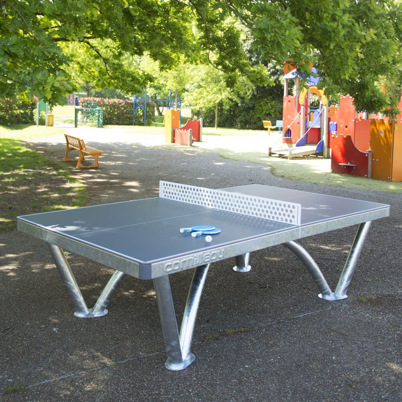 Cornilleau park permanent static outdoor table tennis table - Weatherproof table tennis table ...