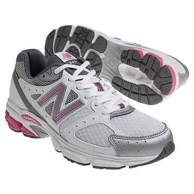 New Balance W560V3 Womens Running Shoes Pair