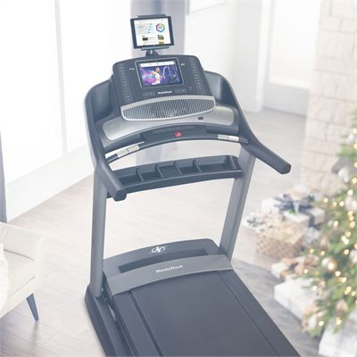 NordicTrack Commercial 1750 Treadmill 2019 - Tablet holdrer lifestyle