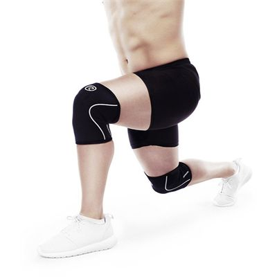 Rehband RX 5mm Knee Sleeve - In Use