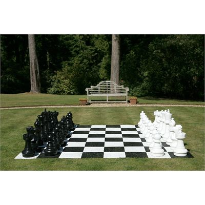 Uber Games Giant Chess - beginning of the game