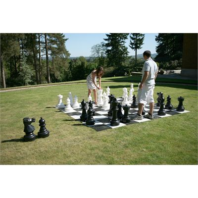 Uber Games Giant Chess - during the game