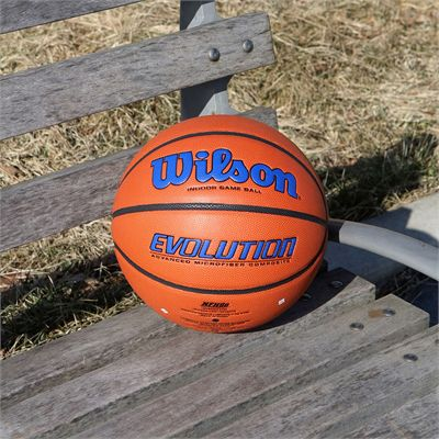 Wilson Evolution Game Basketball - Royal Lifestyle
