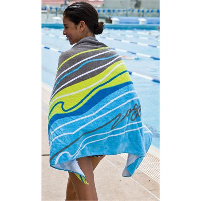 Zoggs Koolan Towel  In Use